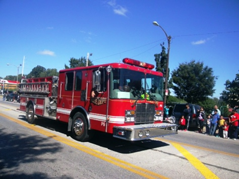 A Kansas City, Kan., fire truck participated in today's Central Avenue parade. (Photo by William Crum)