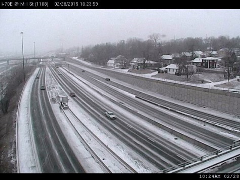 A view of I-70 at Mill Street as snow fell on Saturday morning. (KC Scout photo)