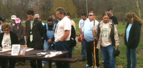 A moment of silence was held for Jeff Rogers today at a memorial gathering at Wyandotte County Lake Park. (Staff photo)