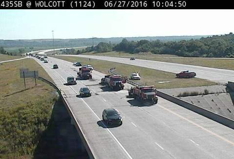 Crash reported on I-435 near Wolcott Drive – Welcome to Wyandotte Daily!