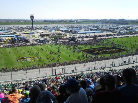 Fans filled the Kansas Speedway in Kansas City, Kan., before the start of today Sprint Cup Hollywood Casino 400 race. (Fan photo)