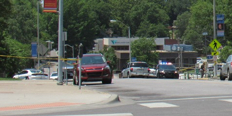 Kansas sheriff's deputies shot near courthouse